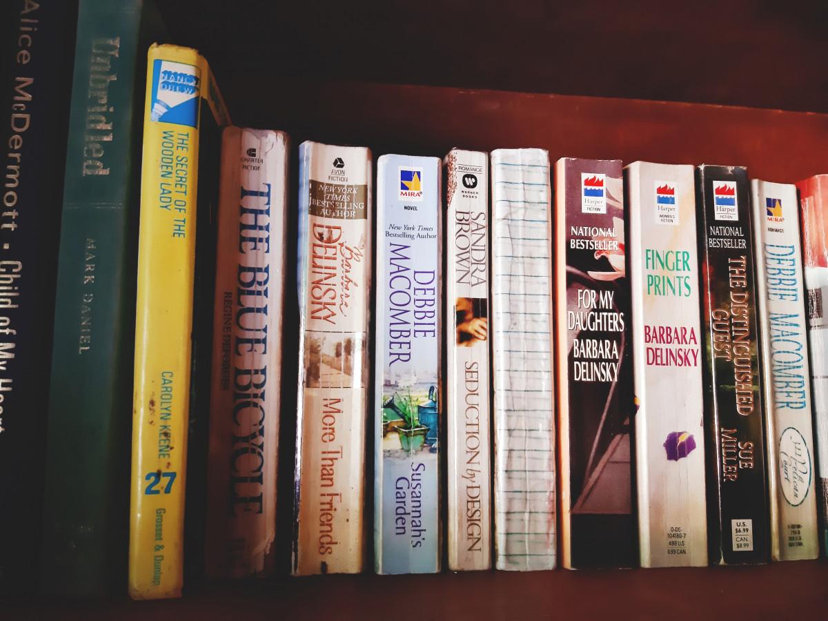 本 スタック としょうかん 教育 文献 本棚 読む 読書 教科書 積み重ねた 書店 小説 文庫本 ロマンス 本棚 棚 本 棚 出版 本棚 セルフヘルプブック コレクション 家具 サイクロン