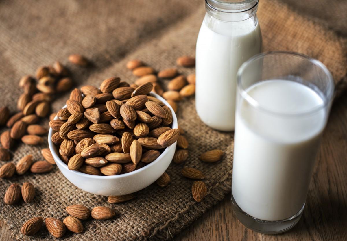 almond, almond milk, bottle, bowl, brown, burlap, closeup, drink, edible, food, food photography, glass, gourmet, healthy, kernel, macro, mediterranean, milk, nut, nutrition, nutritional, nutritious, organic, protein, raw, sack, seed, snack, tasty, unshelled, ingredient, plant milk, caffeine, cuisine, superfood, plant, produce, soy milk, dish, pine nut