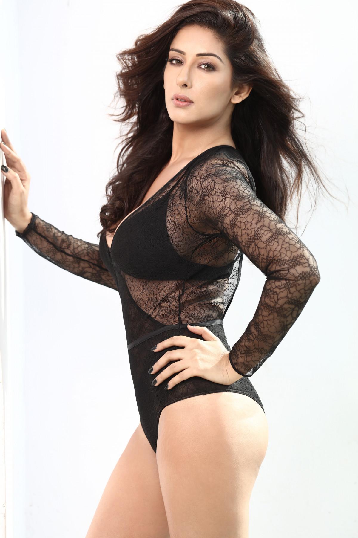 hot indian women strip tease