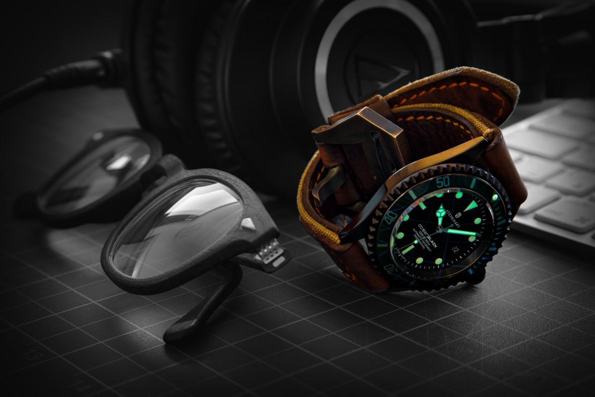Gambar Pertukangan Arloji Penyelam Menonton Waktu Jam