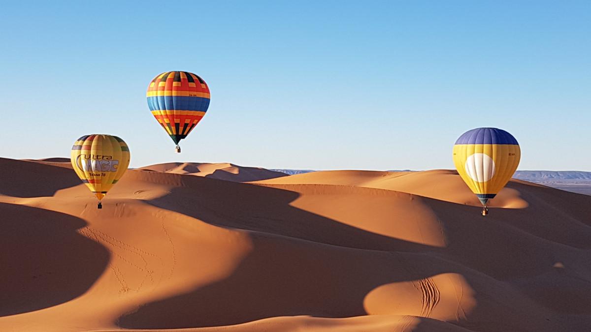 Hot air balloons in the Thar Desert