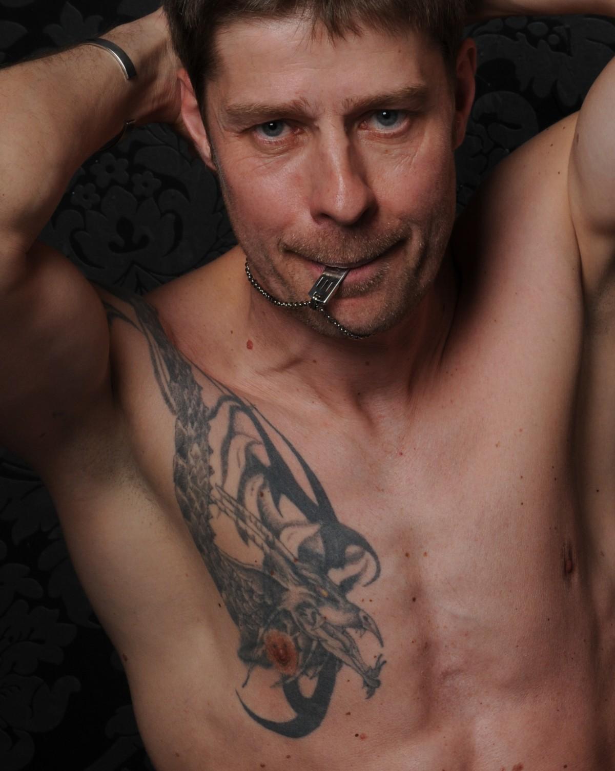 Kostenlose foto : Mann, Tätowiert, Tätowierung, Muskeln ...