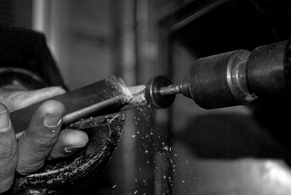 Free Images : wood, turning, hands, work, lathe, black and white