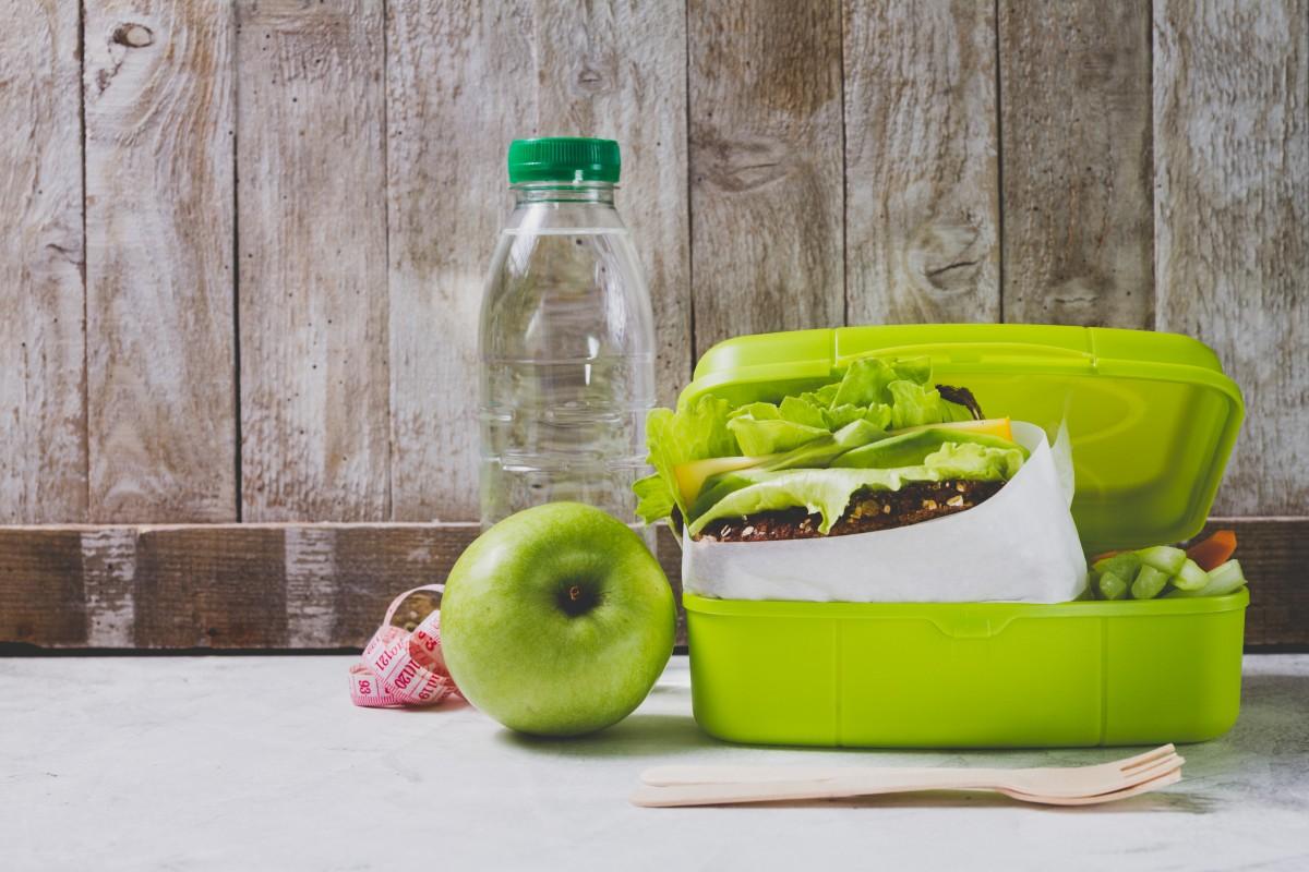 régime aliments biologique le déjeuner manger boîte la nourriture saine régime équilibré vert produire fruit Photographies produit plante légume