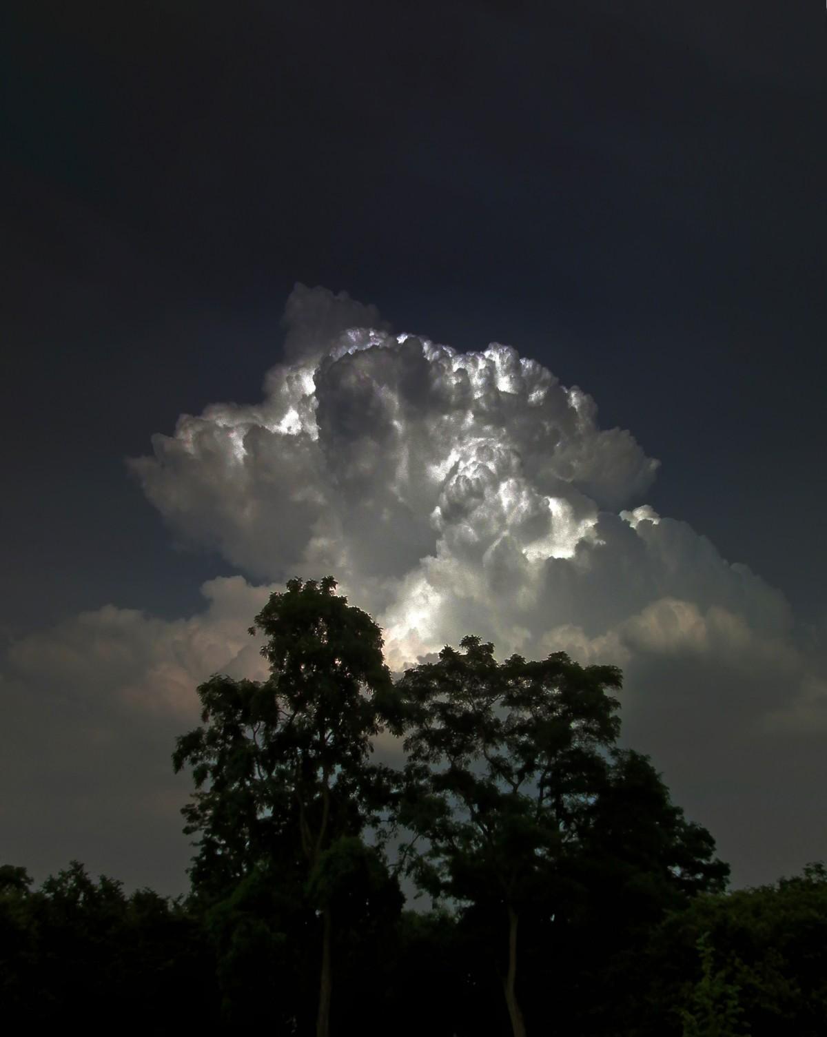 ракетный гром среди темного неба фото постарались дать