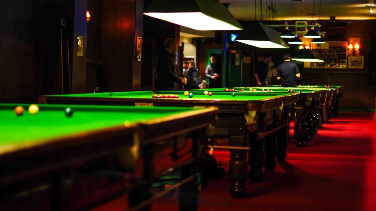 Immagini Belle : snooker, sala biliardo, tavolo da biliardo ...