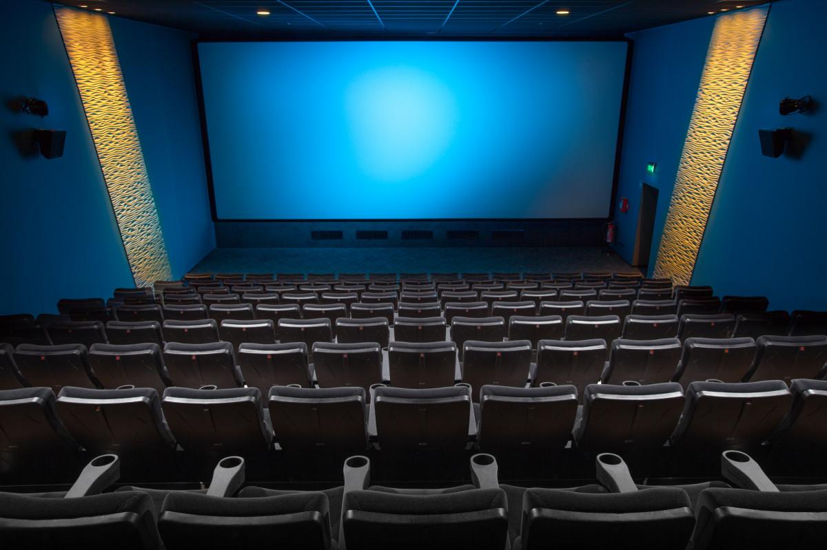 ПК актовый зал Театр проекционный экран кинотеатр Нагреватель здание принадлежности для проекторов Центр исполнительских искусств технологии конференц-центр сцена комната конференц-зал мероприятие гаджет Конвенция концертный зал дизайн интерьера
