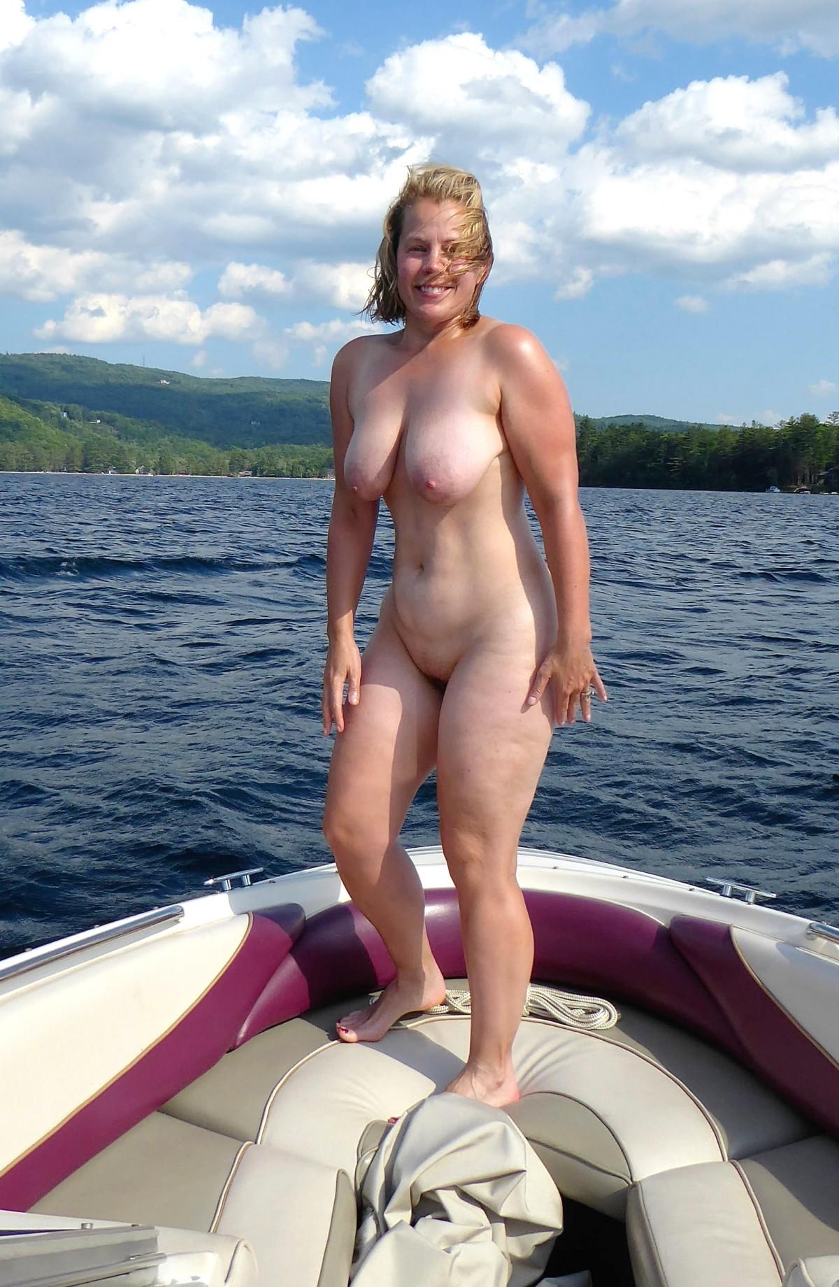 Nude Boating