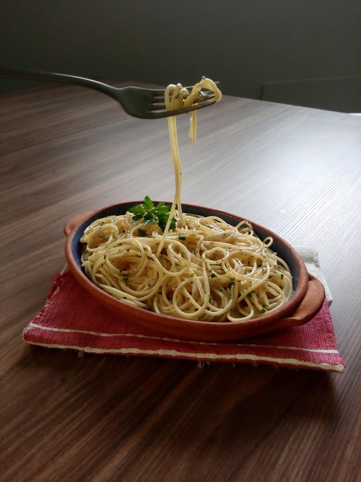 Спагетти открытка, сделать бабочку бумаги