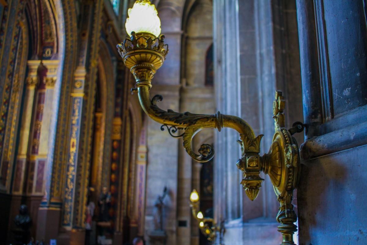 Immagini belle crocifisso saint eustache parigi francia vetro colorato cappella - La finestra lafayette ...