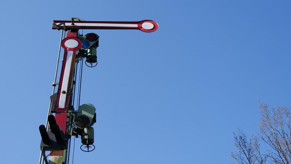 Jumping Vehicle Mast Signal Street Light Extreme Sport Lighting Traffic Sports Fixture Containing Railway