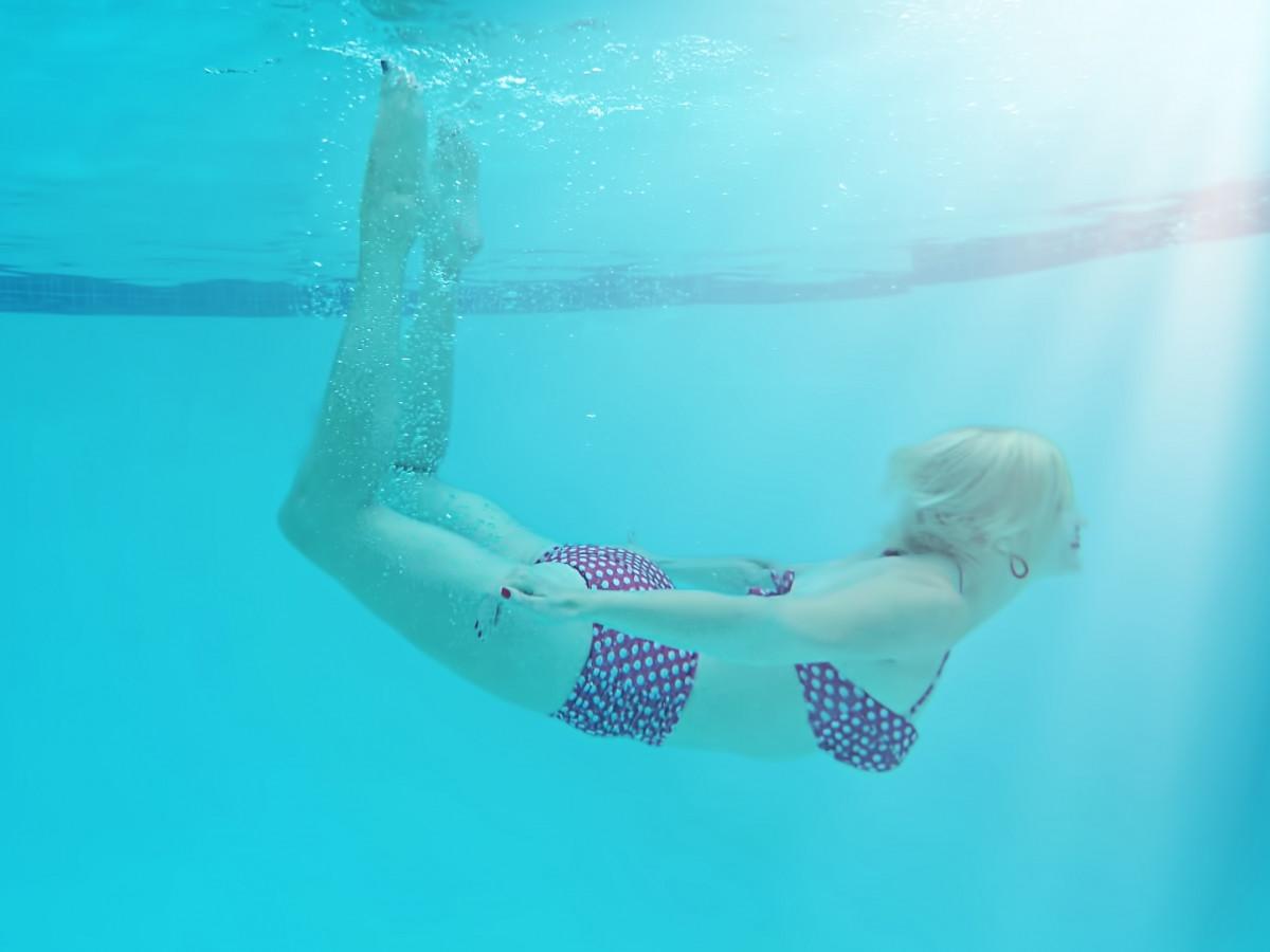 summer recreation diving pool underwater swim