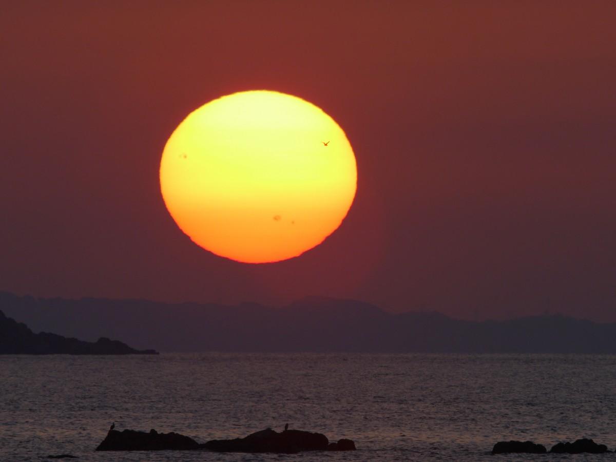 вам картинки луны или заката на небе речь заходит асах