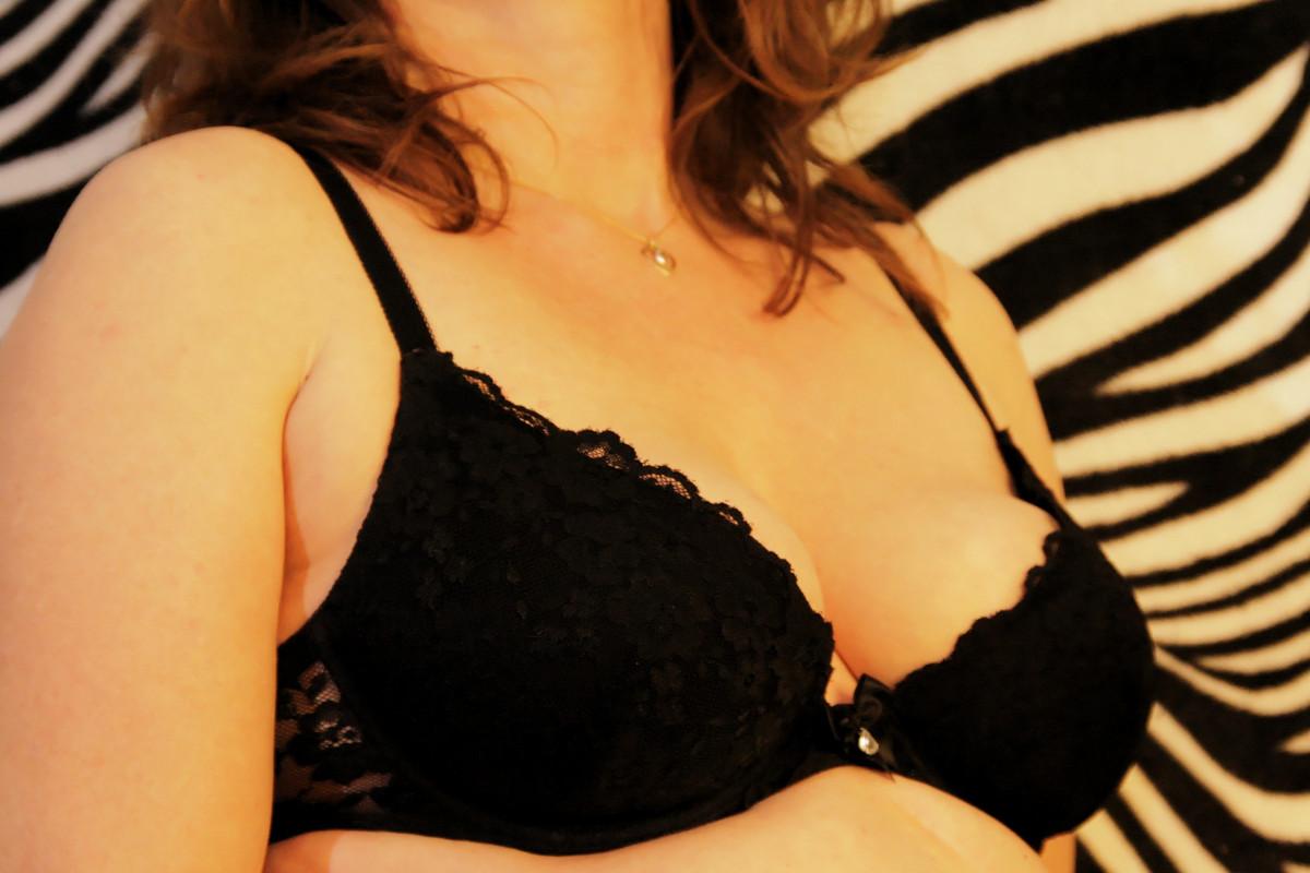 ibenholt afrikansk nøgen pics brunette nøgen model