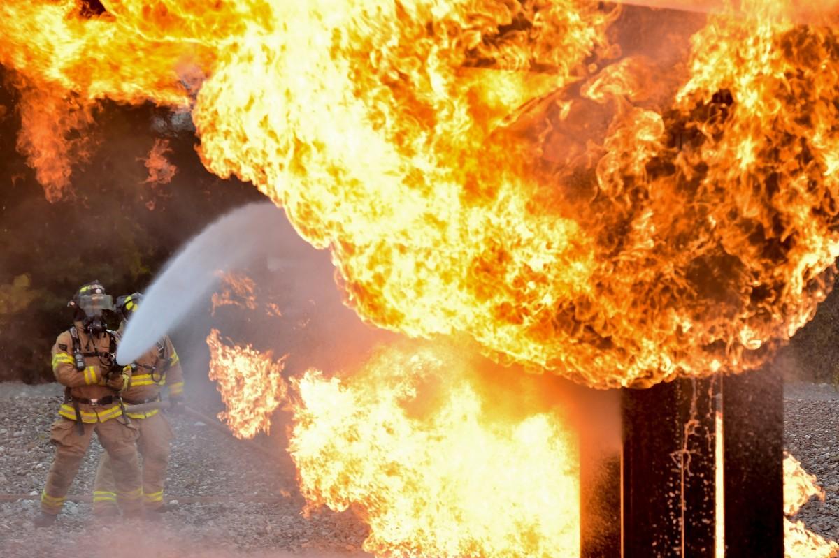 Live Equipment Spray Training Flame Fire