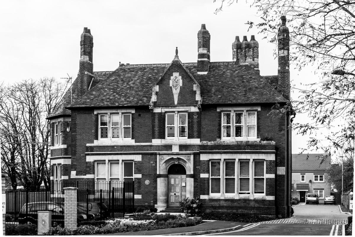 Immagini belle bianco e nero architettura retr casa for Disegni casa cottage