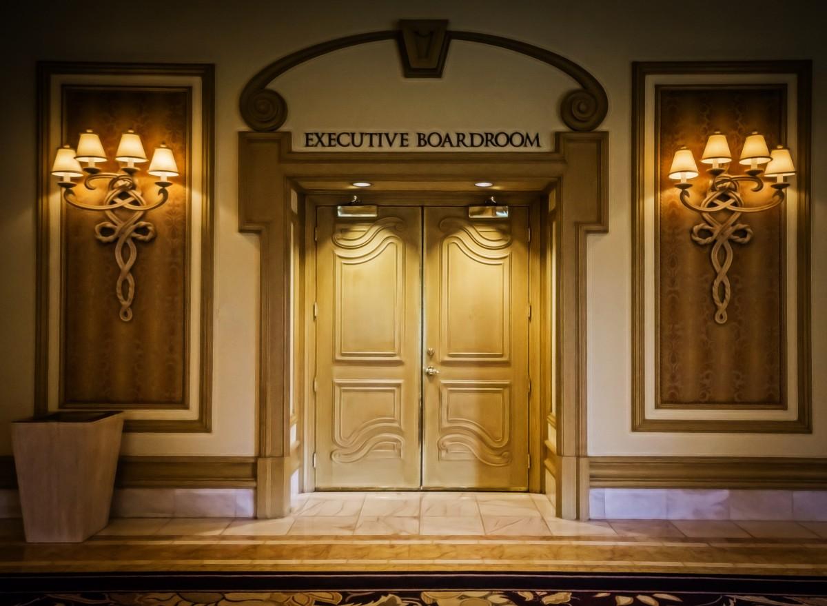 Fotos gratis arquitectura madera palacio ventana for Puertas correderas diseno moderno