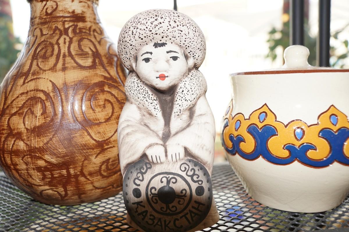 Gratis Afbeeldingen : keramisch, verlichting, kunst, expo, figuur ...