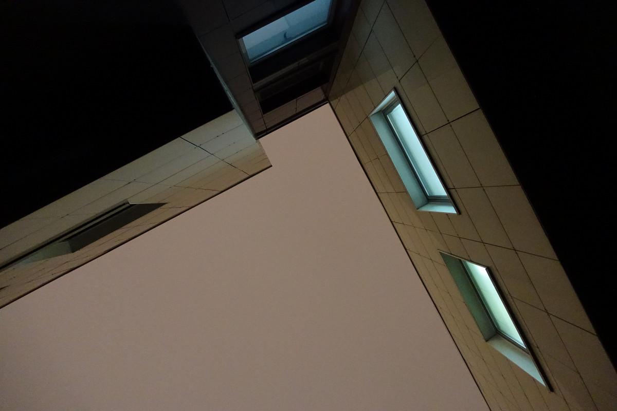 무료 이미지 : 목재, 밤, 창문, 유리, 천장, 장식, 어둠, 조명 ...