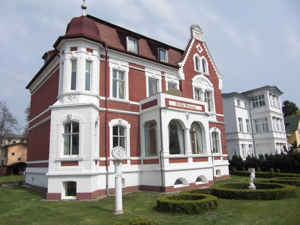 free images sky villa mansion building chateau palace facade property tourism places. Black Bedroom Furniture Sets. Home Design Ideas