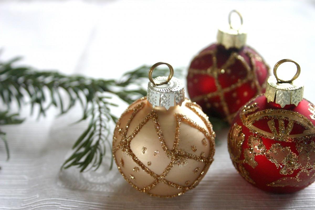 Christmas Ball Tree Centerpiece : Free images red decor christmas tree