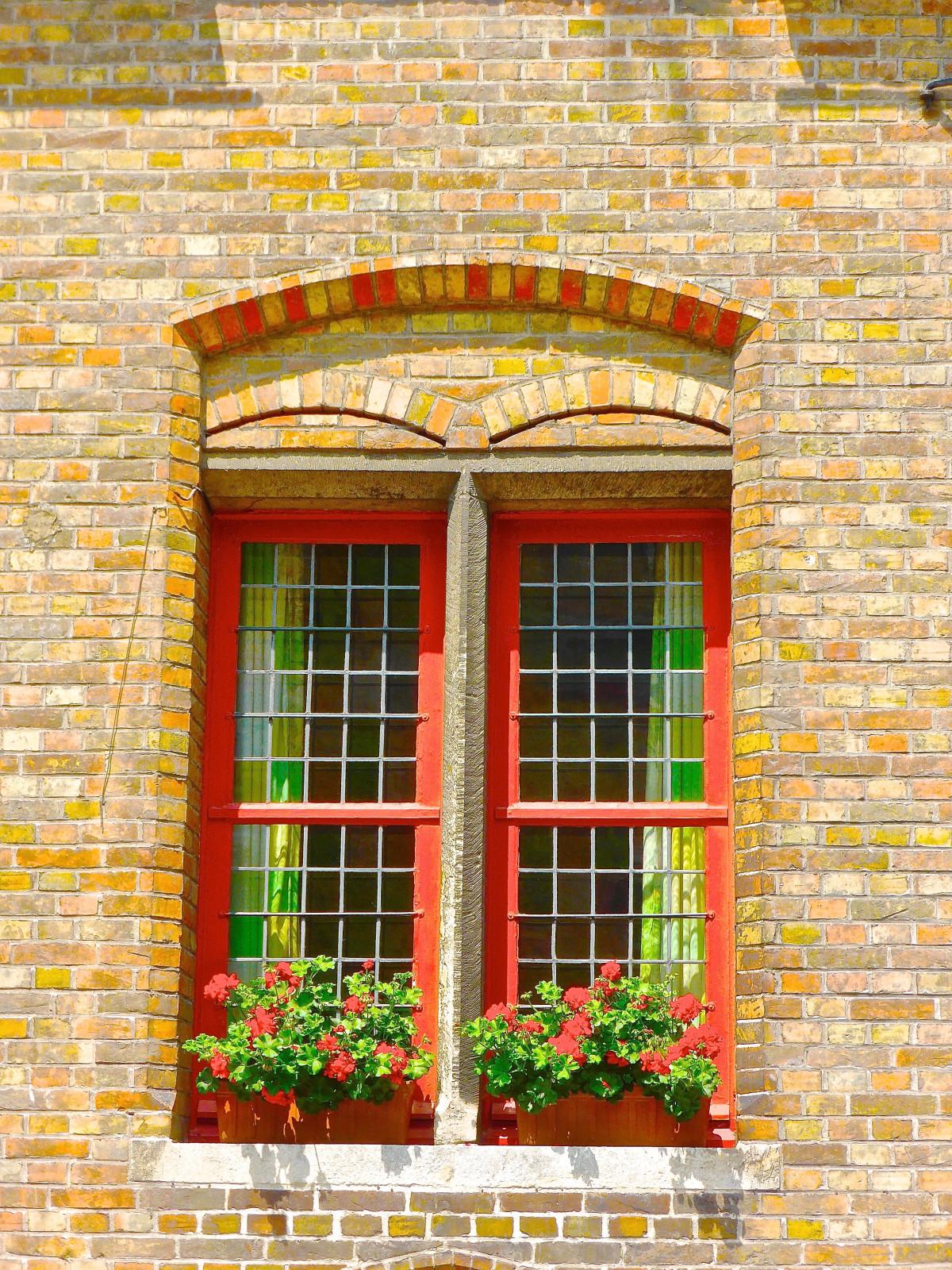 они понимают, картинка кирпичного дома с дверью что понимаю что
