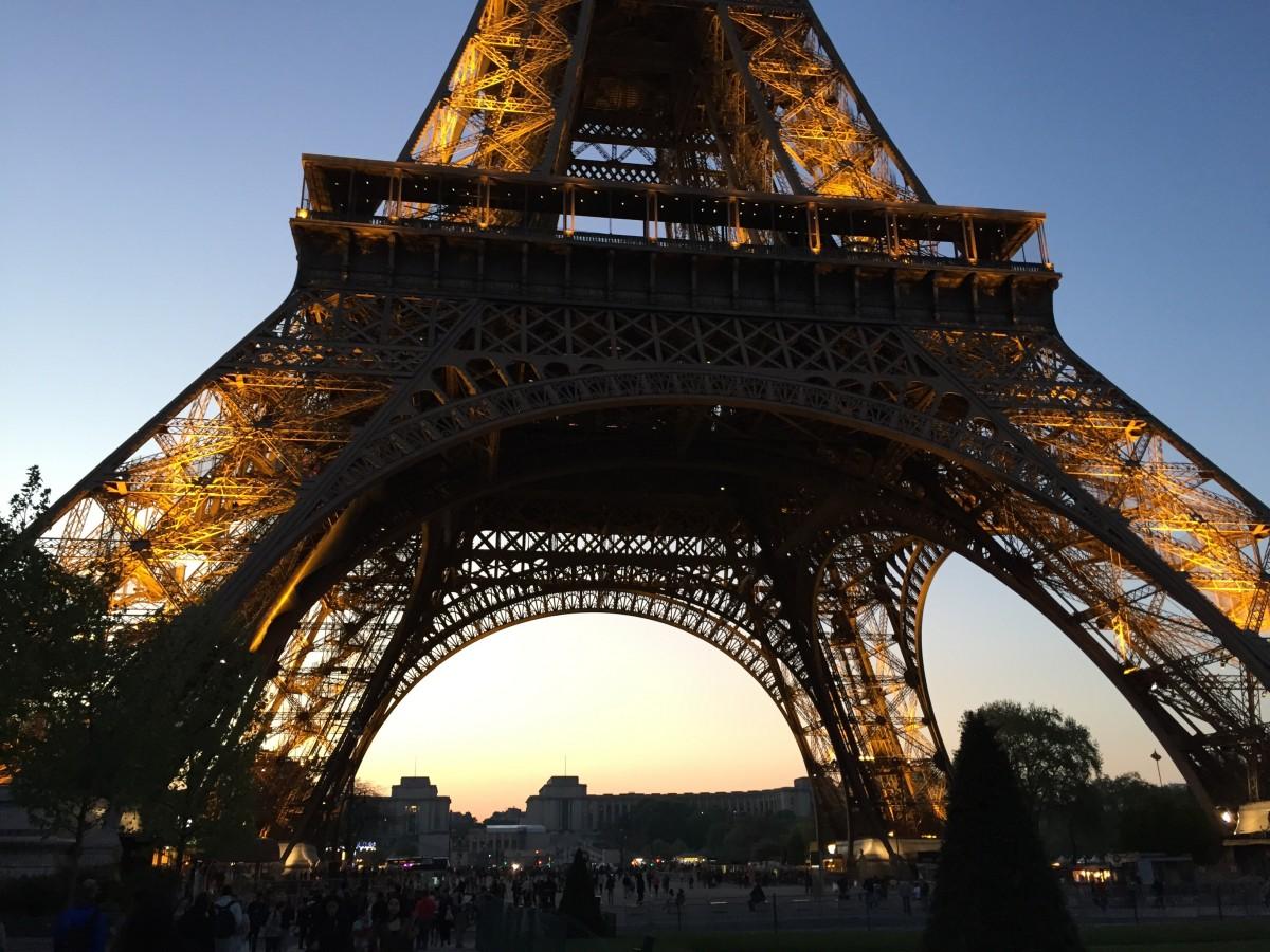 Эйфелева башня фото высокого разрешения