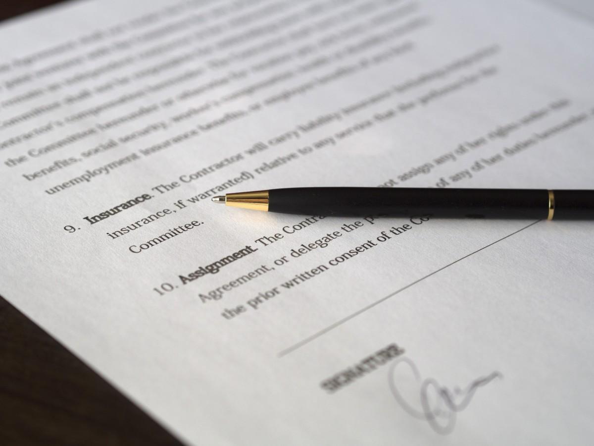 l'écriture main Entreprise marque Police de caractère Contrat conception texte écriture calligraphie document prêt traiter formalités administratives Signature écrire accord