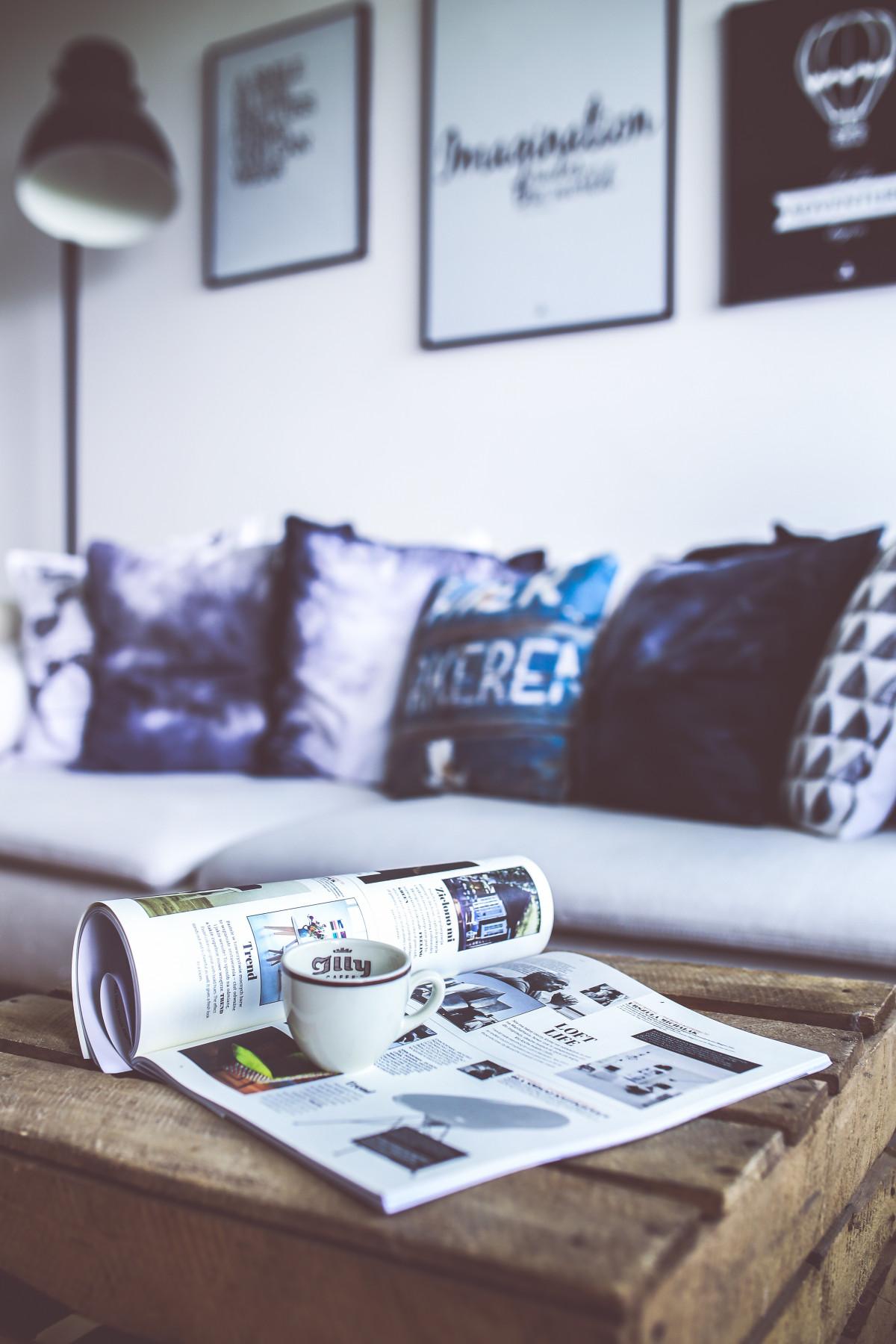 Gratis afbeeldingen tafel wit huis lezing tijdschrift blauw meubilair divan - Tijdschrift chic huis ...