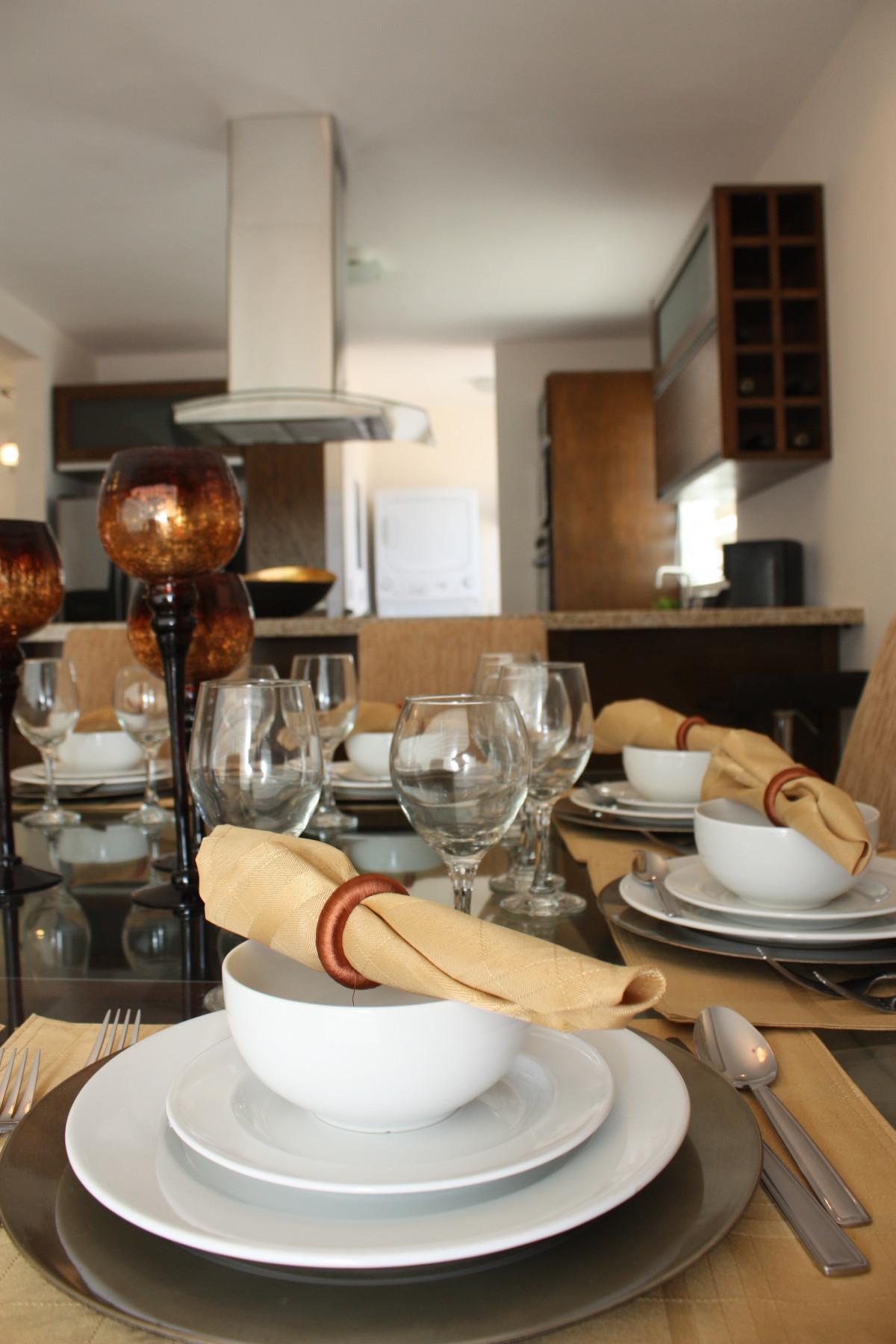 Gratis afbeeldingen wijn huis glas restaurant decoratie maaltijd drinken wijnglas - Gratis huis deco magazine ...
