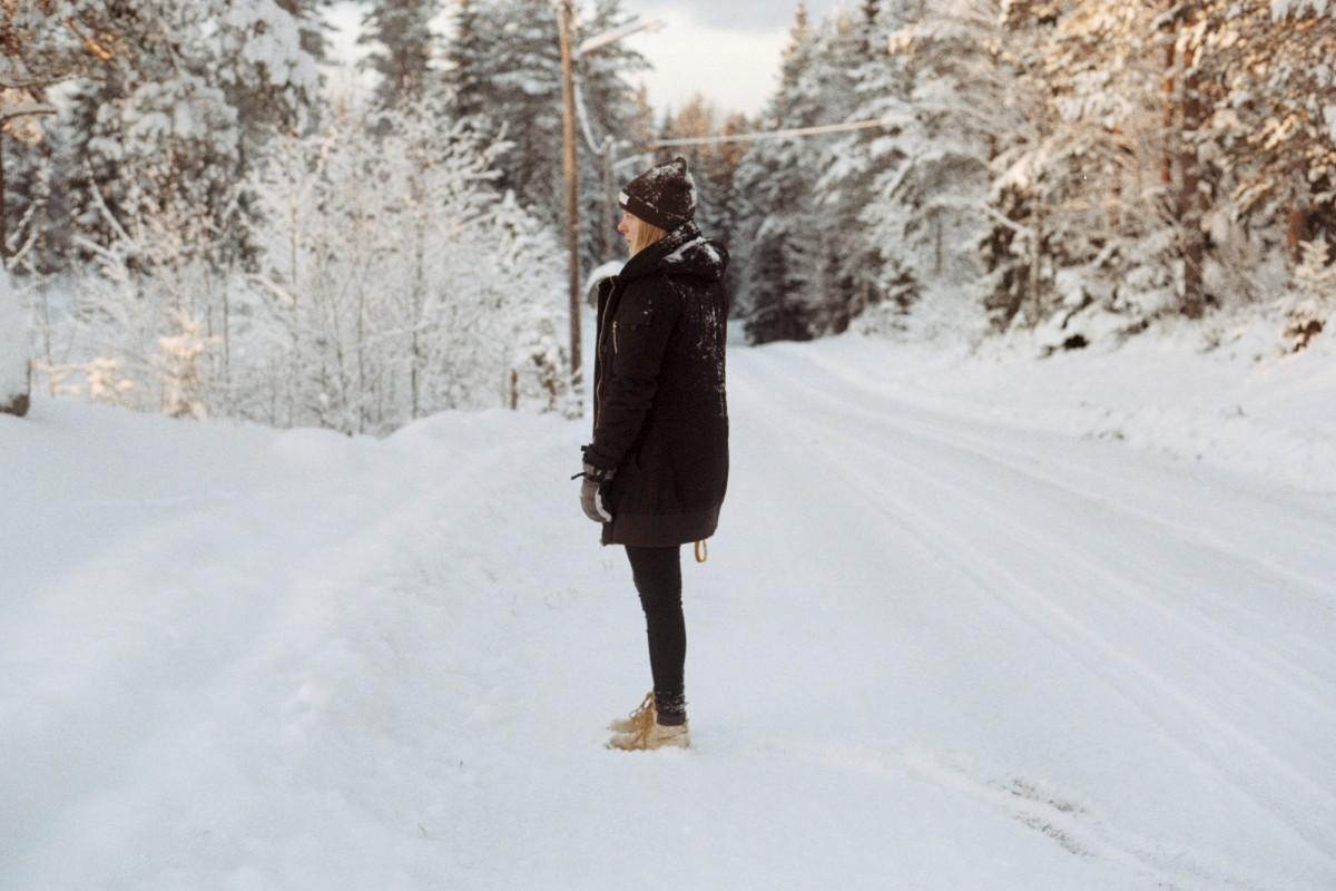 картинки человек в далеке зимой