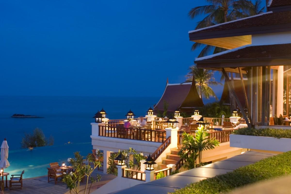 Отель у моря картинки