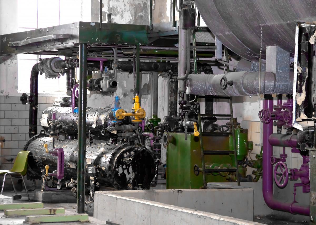 技術 古い ライン フロー 金属 機械 工場 業界 製造 行 パイプ 配管 エンジン モーター 加熱 腺 ガイド ステンレス パイプライン 失効した 病気の 酸化された 圧力水ライン 水パイプ 接続 フランジ 水管 ボイラーハウス フル・パイプ流量計 水の接続