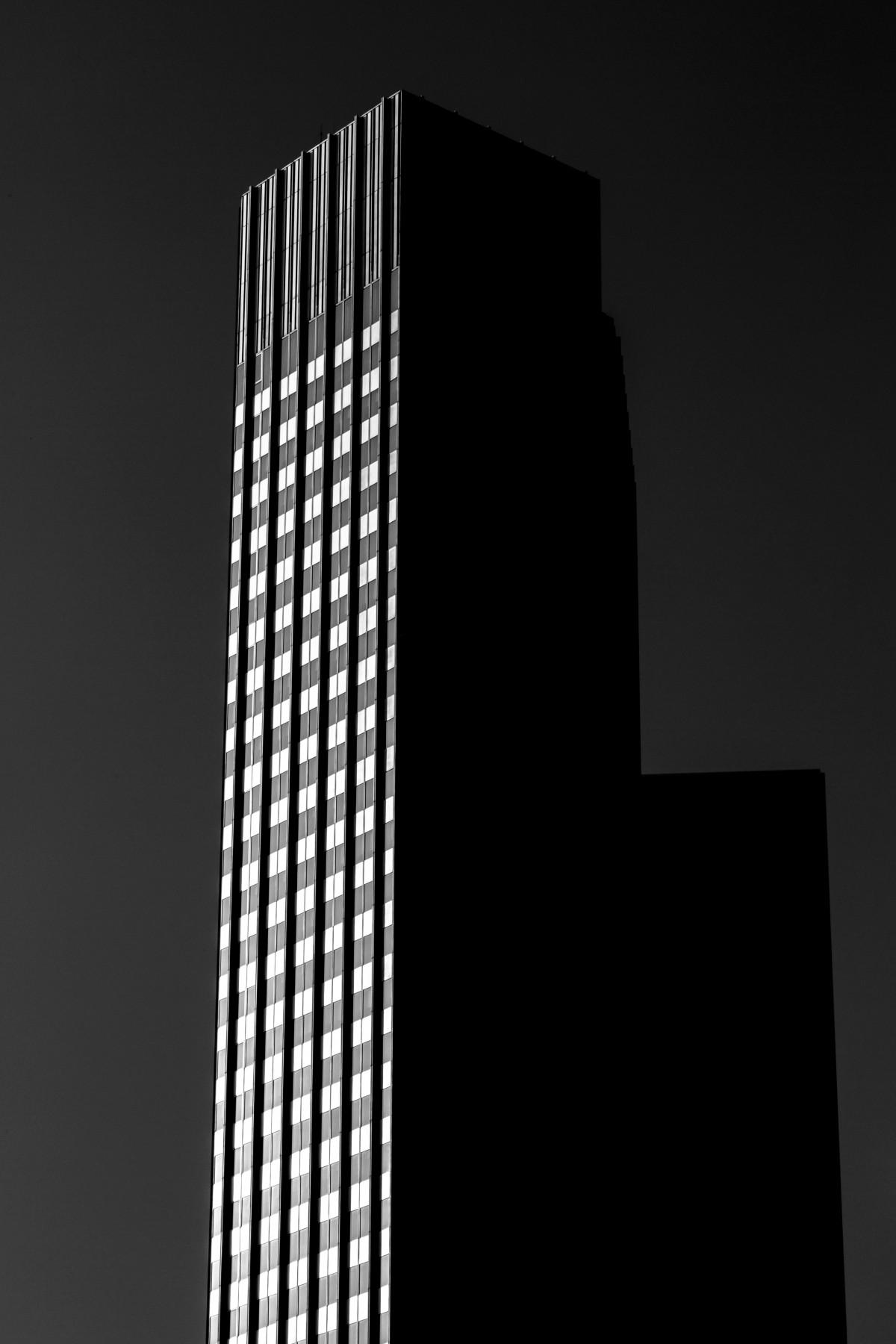 Images gratuites architecture nuit fen tre ville for Fenetre noir et blanc