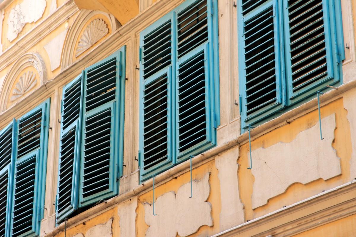 Fotos gratis arquitectura madera villa casa edificio pared balc n arco fachada - Persianas palacio ...