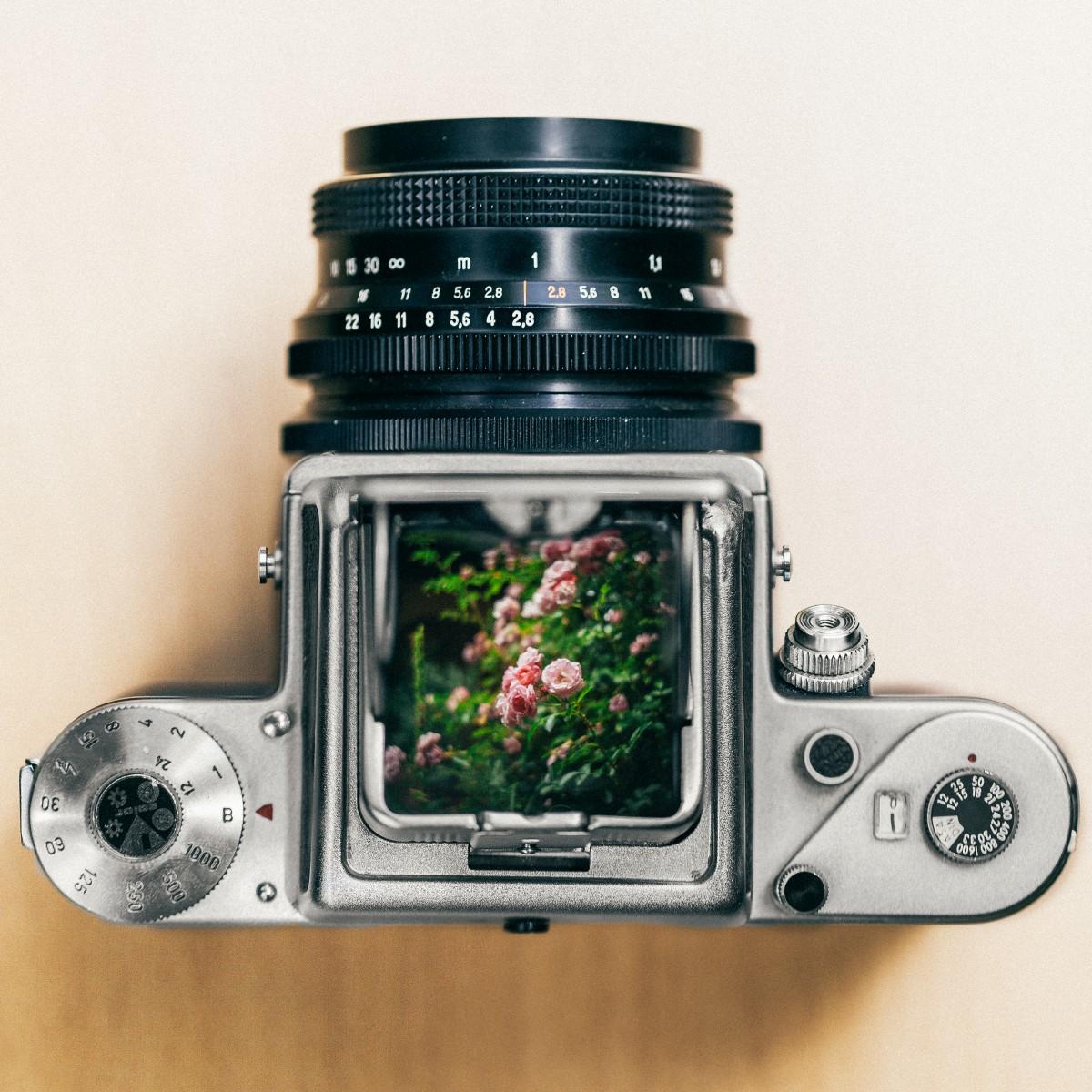 Confronta fotocamere digitali bridge 35
