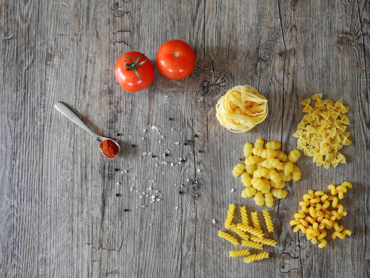 kostenlose foto frucht lebensmittel pfeffer produzieren gem se salz gesund tomate. Black Bedroom Furniture Sets. Home Design Ideas