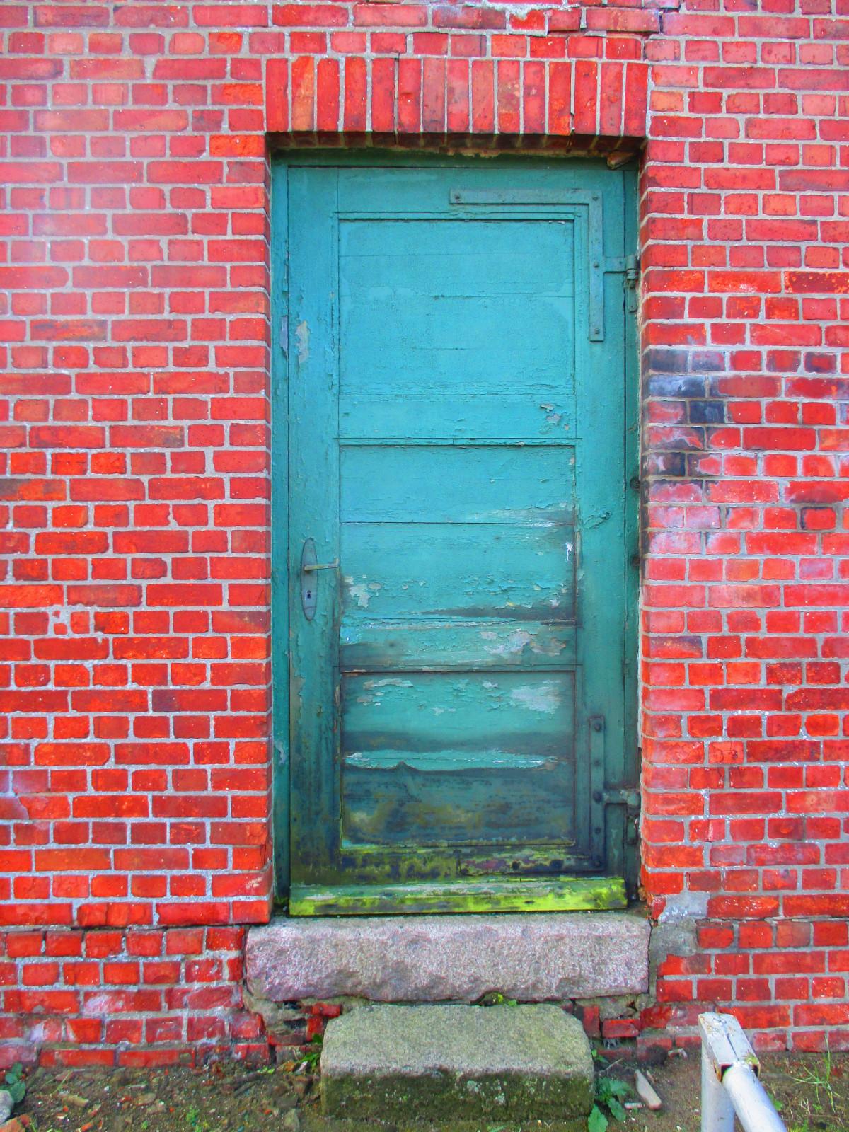 картинка кирпичного дома с дверью санкт-петербурге