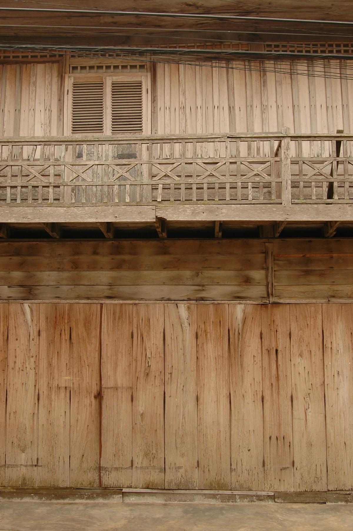 무료 이미지 : 건축물, 목재, 화이트, 집, 창문, 늙은, 시티, 벽 ...