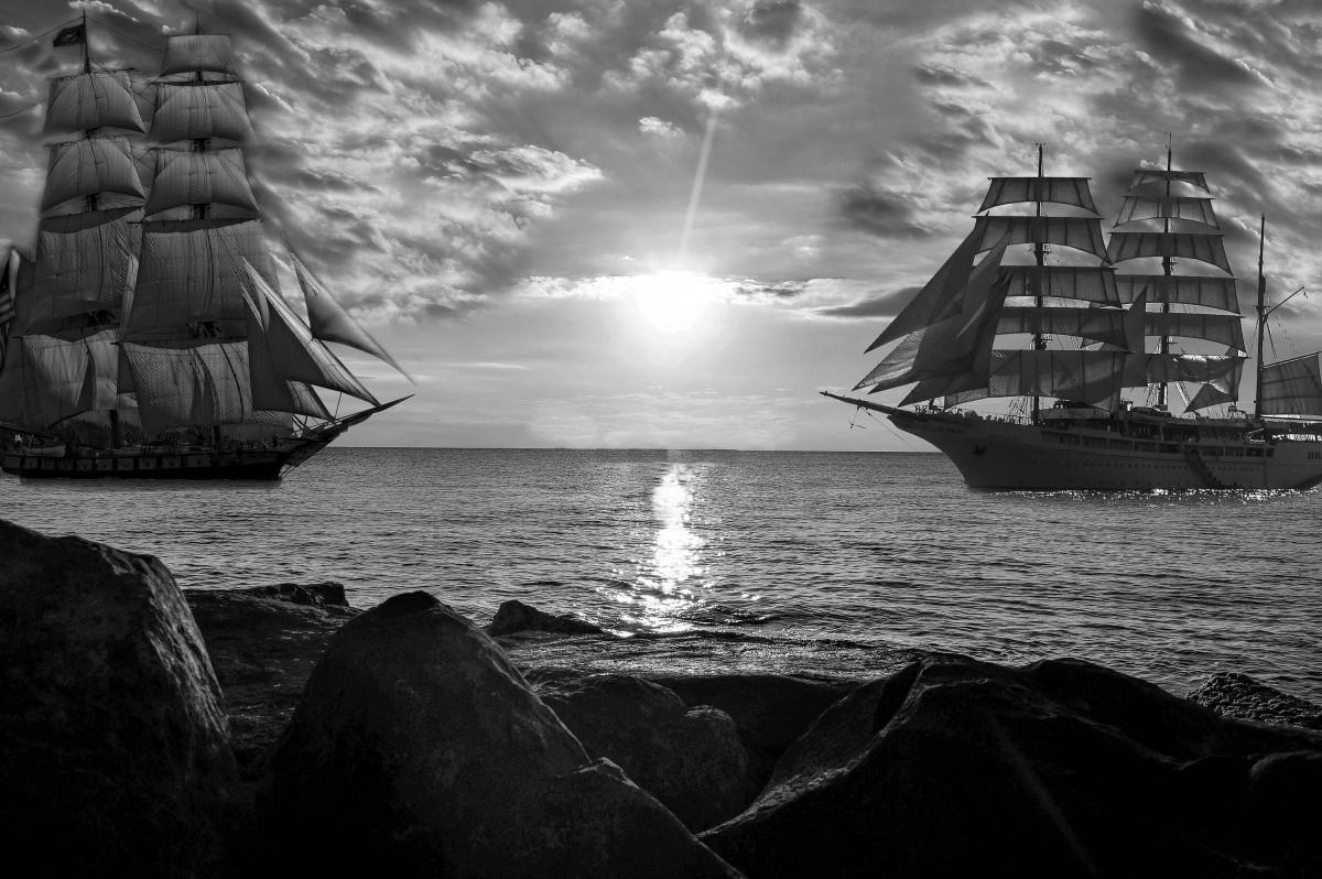 sea_boats_ships_rock_horizon_large_ships_black_and_white-1185888.jpg!d