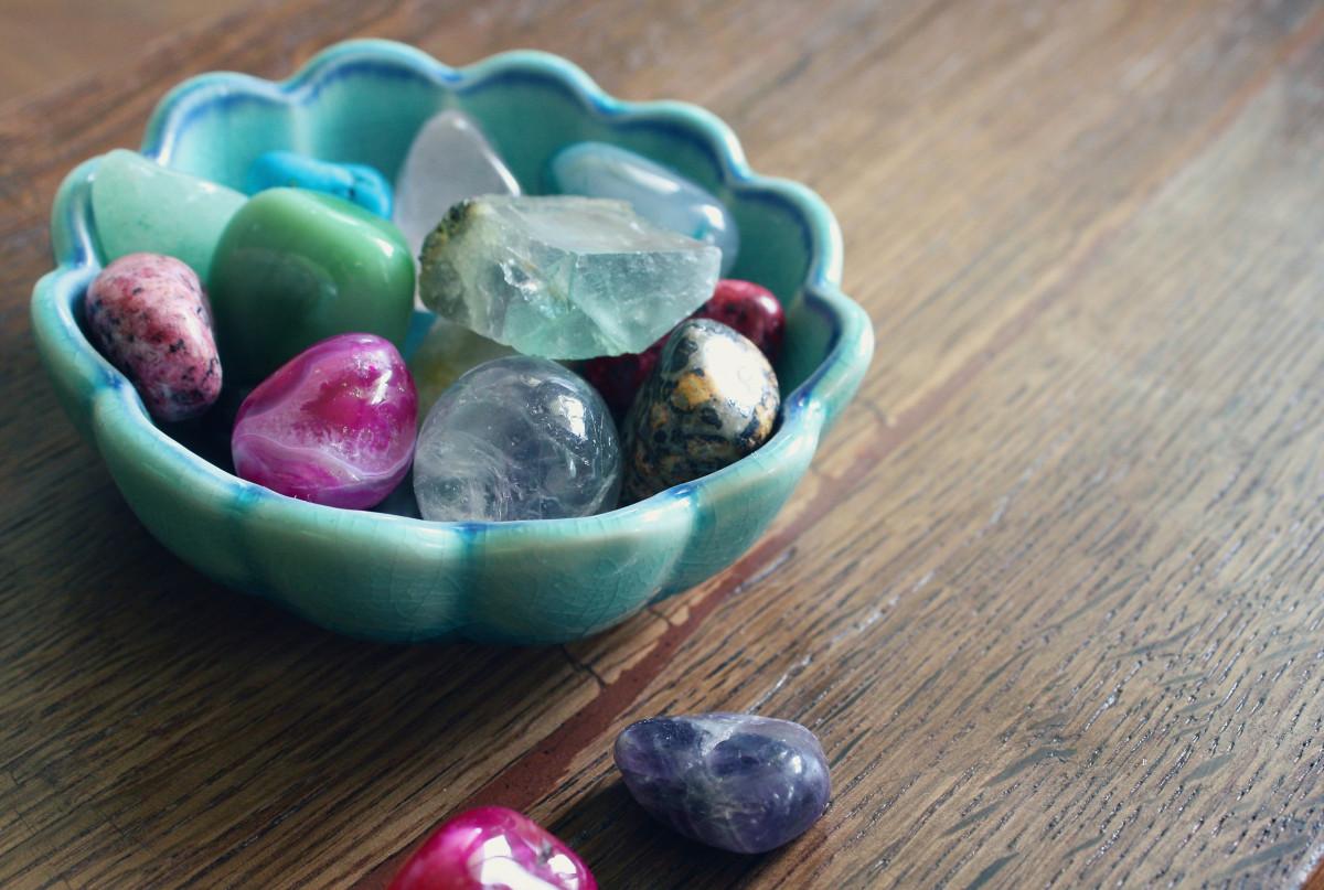 หินสีนำโชค