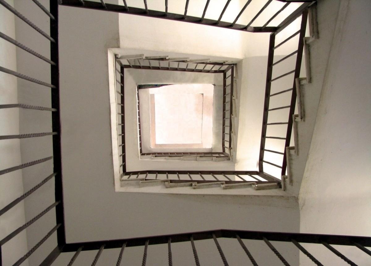 Images Gratuites Aile Architecture Bois Escalier Maison Sol Int Rieur Tape Plafond