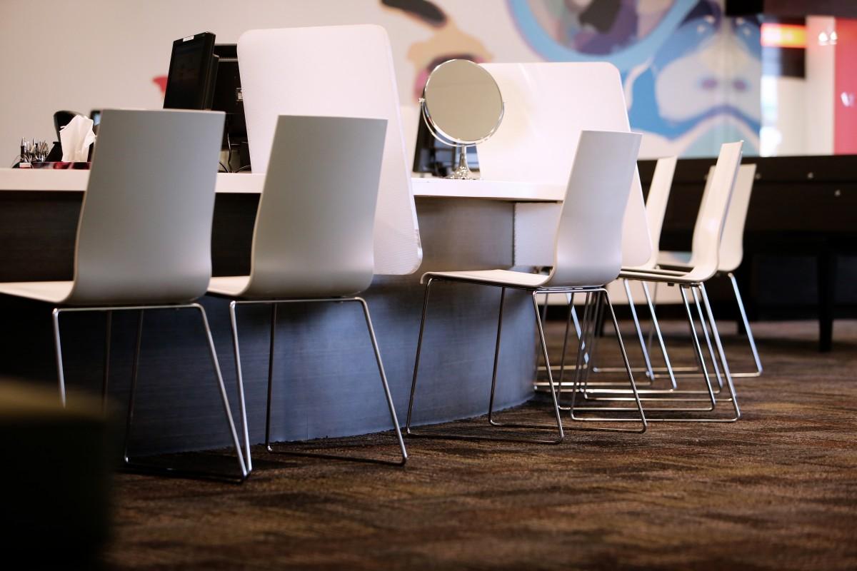 무료 이미지 : 남자, 밤, 복고풍의, 의자, 레스토랑, 바, 가게 ...
