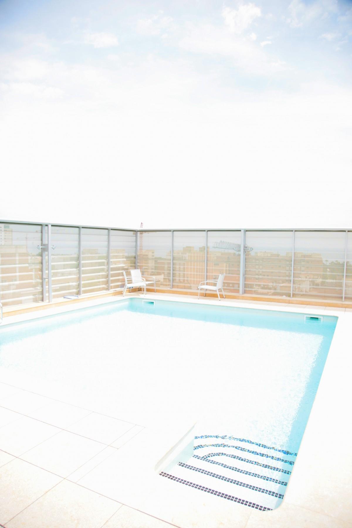 Images gratuites structure sol piscine propri t - Barcelone hotel piscine interieure ...