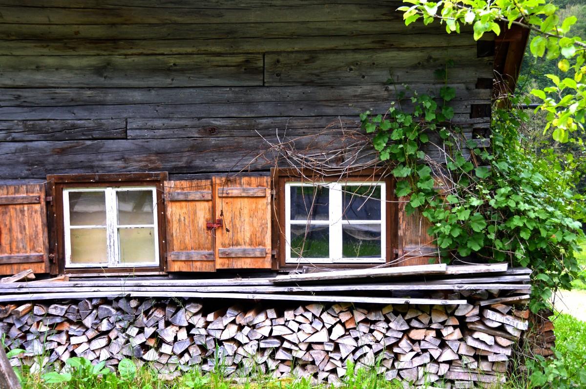 Fotos gratis pared cobertizo caba a parque patio for Paredes de madera para jardin