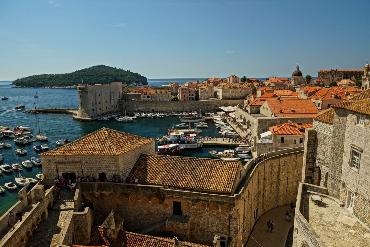 Это изображение имеет пустой атрибут alt; его имя файла - dubrovnik_the_walls_city_old_croatia_tour_the_old_town_holidays-1209060.jpg!d