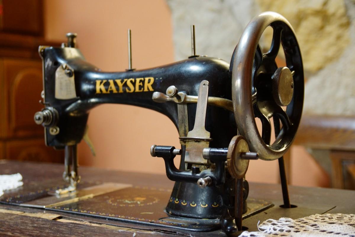 roue vieux machine couture machine à coudre art machine à vapeur le fer Objet fabriqué par l'homme