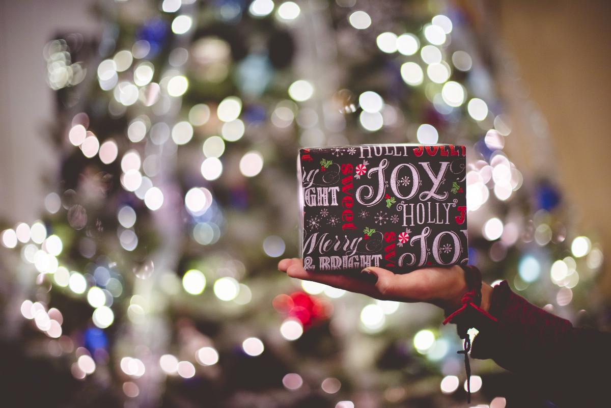 hand light bokeh blur abstract flower - Celebration Christmas Lights