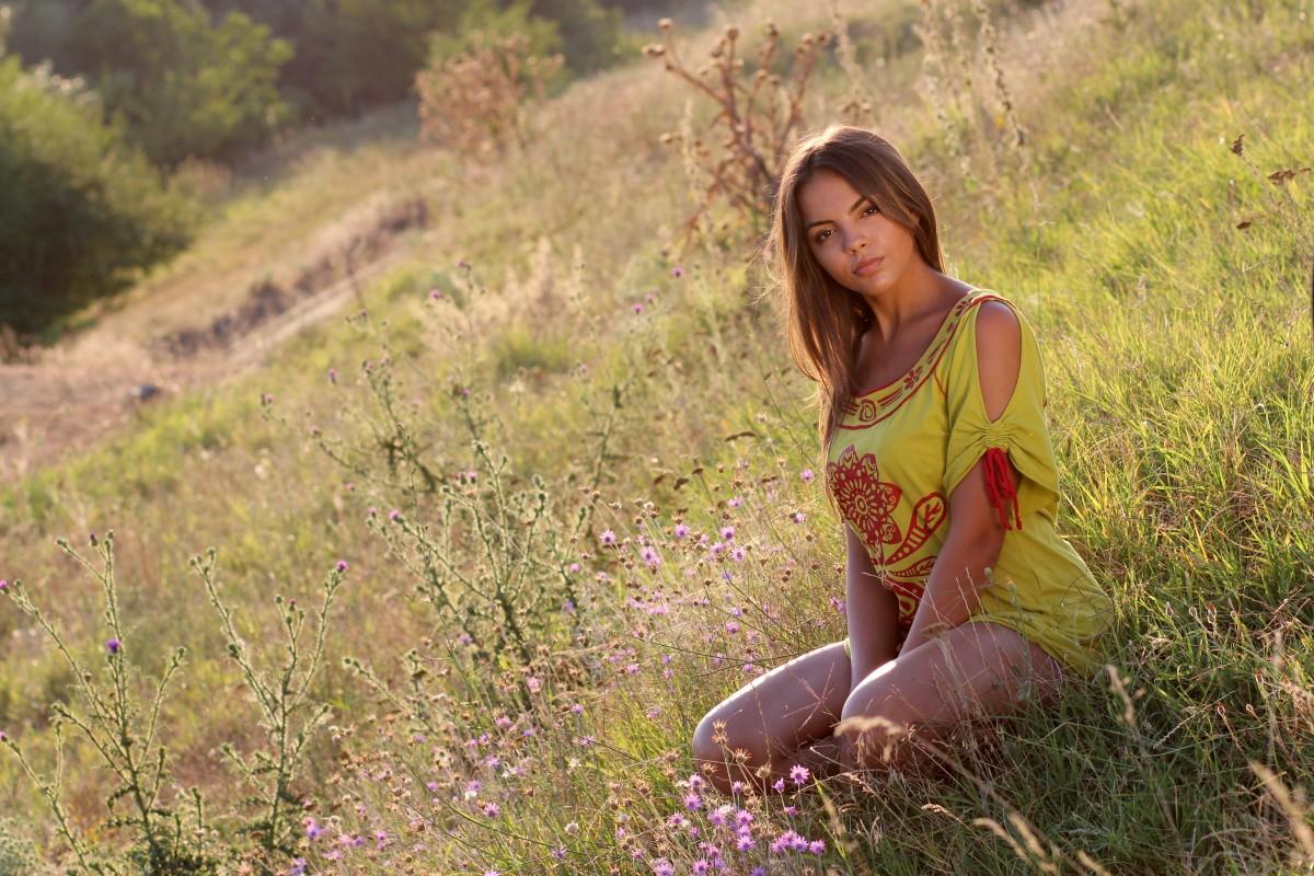 фотографии простых девушек на лоне природы
