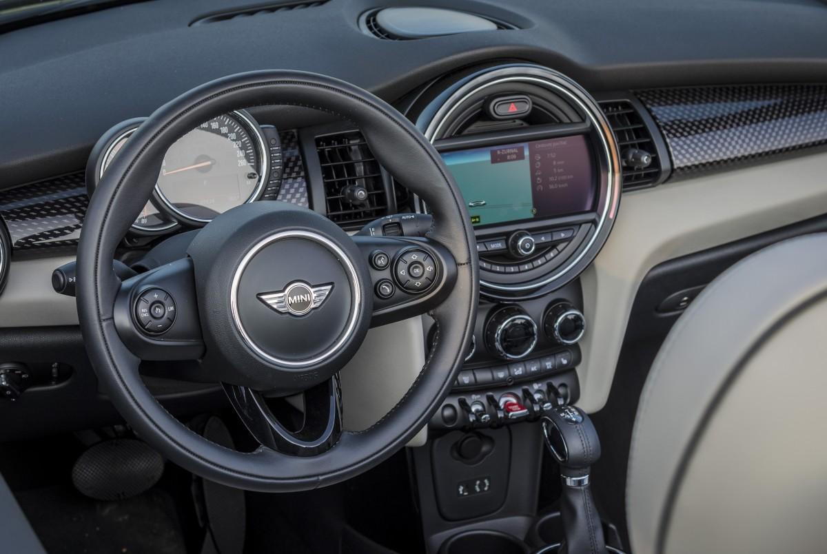 Images gratuites voiture roue v hicule auto mini for Interieur voiture de luxe